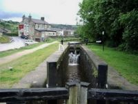 A cruise along the Huddersfield Narrow Canal (232)