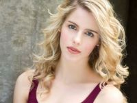 Emily-Bett-Rickards-arrow-felicity-smoak-580x435