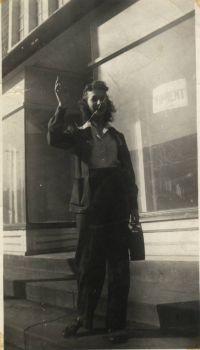 Mom 1943