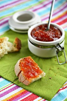 Tomato and apple jam, by floridecires on flickr