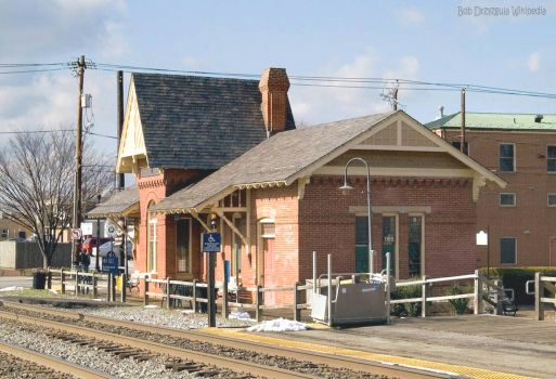 Gaithersburg_train_station_maryland