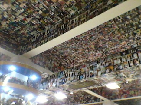 Aparecida - Photos on the ceiling of 'Promises' Room'