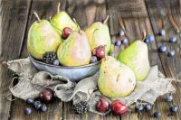 pears_by_cherrymidnight-dc1199o