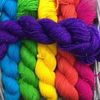 Supersaturated hand-dyed yarn
