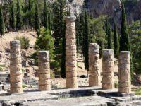 GREECE – Delphi - Temple of Apollo - Ruins