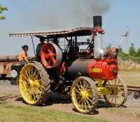 Russell - steam tractor