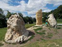 2016-červencový rodinný výlet po plastikách M.Olšiaka...2016-July after a family trip sculptures M.Olšiaka ...