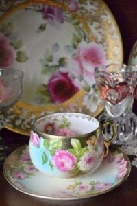 Rose And Pale Gold Tea