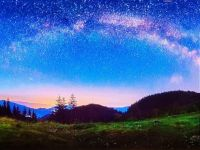 MILKY WAY ABOVE THE HILLS