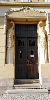 vchod do domu Písek