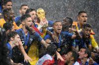 7794129621_la-france-est-sacree-championne-du-monde-pour-la-2e-fois-dimanche-15-juillet-2018
