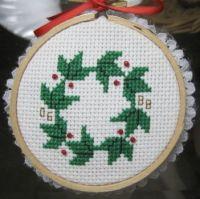 Holly Wreath #8551