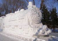 ice-sculptures-train