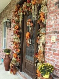 The front door is also ready for fall along with all the animals..