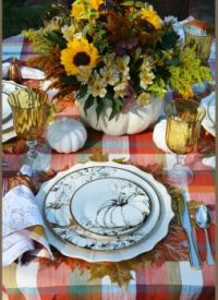 Fall dinner place setting