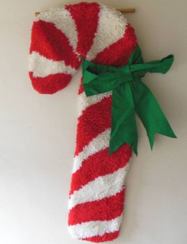 Candy cane latch hook