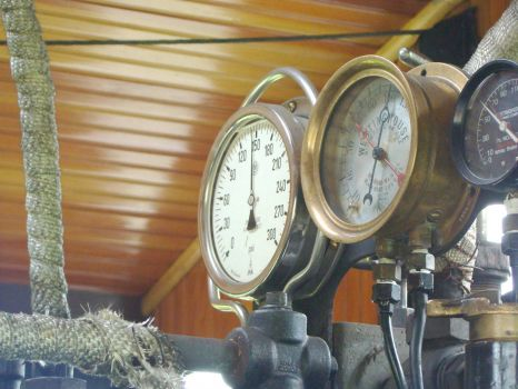 steam-train-gauges