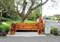 CARVED WOOD BENCH COMMEMORATING REMEMBRANCE DAY  4 OF 4