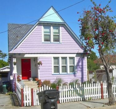 Cute house in Sunnyvale, California, by roarofthefour (pic cropped)