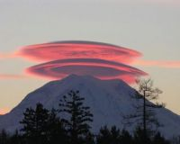 Beautiful sunset photo of Mount Rainier