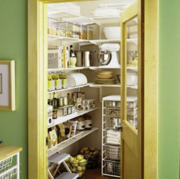 A Very Clean, Tidy Pantry!