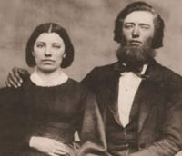 Caroline_and_Charles_Ingalls_sepia_cropped-600x516 laura