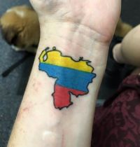 New tattoo. Left off the stars, stuck with the original Simón Bolívar colours.