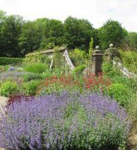 Walled garden Longstock