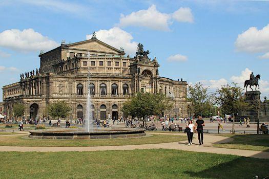 Dresden - Theaterplatz und Semperoper