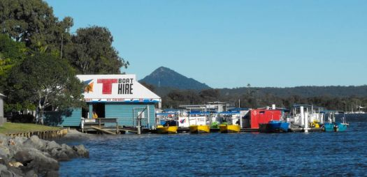 Boat hire on the river