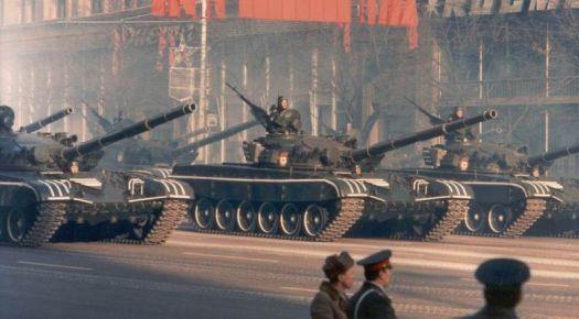 Soviet T-72 tanks in full parade paint, for Ferretneck