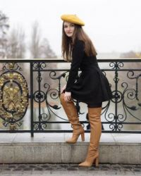 Lady in boots # 1283