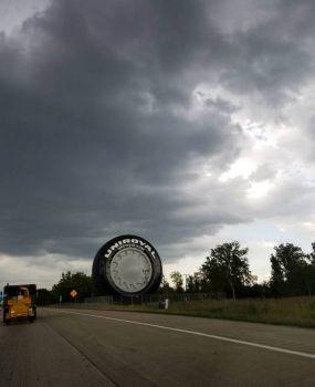 42 Giant tire20180928