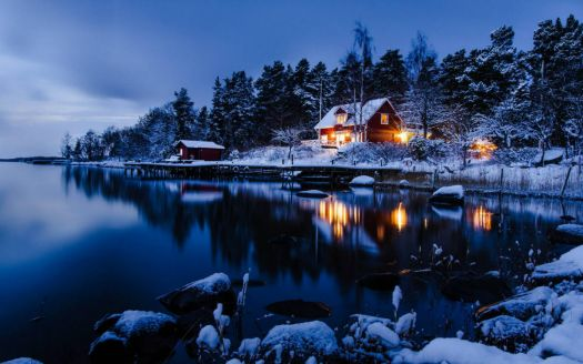Cozy Winter Cabin in Solitary Splendor