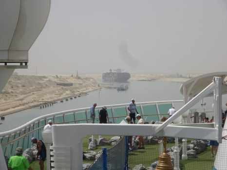 traveling through the suez canal