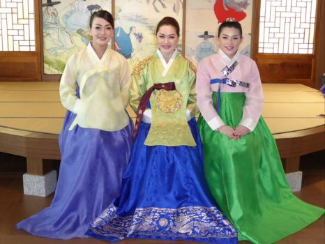 Dress up in the Seoul airport museum