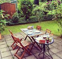 619 Small German Garden Party