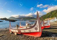 -beautiful-carved-boats-at-lanyu-orchid-island-taitung-taiwan