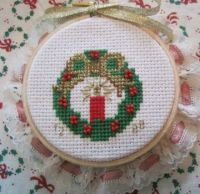 Wreath (bow on top) #8522