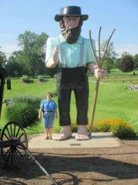 Amish statue 0624