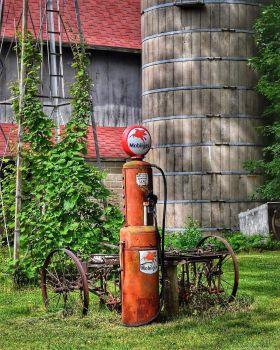 Farm yard art