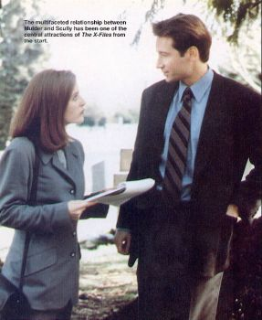Another X-Files magazine promo, featuring Gillian Anderson and David Duchovny