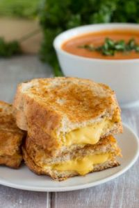 Grilled-Cheese-Sandwich w tomato soup