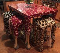 Giraffe-Table-Bar-Stools