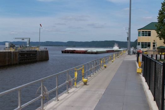 Tow of barges entering lock #9 Miss River