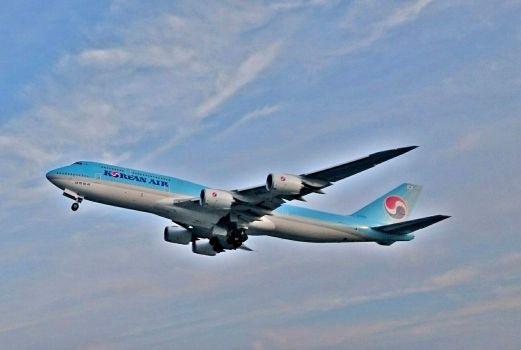 Boeing 747 - 400 společnosti Korean Air při vzletu z Ruzyňského letiště v Praze