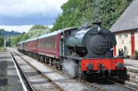 Royal Pioneer enters Darley Dale Station