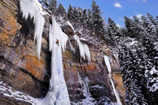 A frozen waterfall..!!