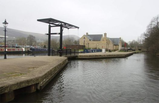 A cruise along the Huddersfield Narrow Canal (318)