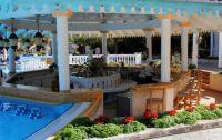 Melia Las Dunas pool bar